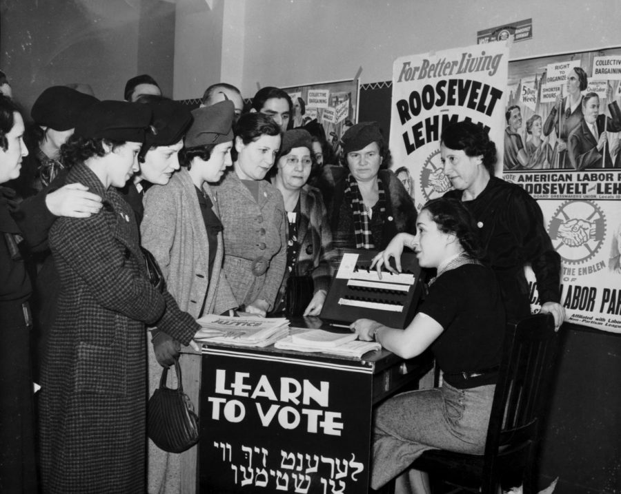 Women voting in 1935